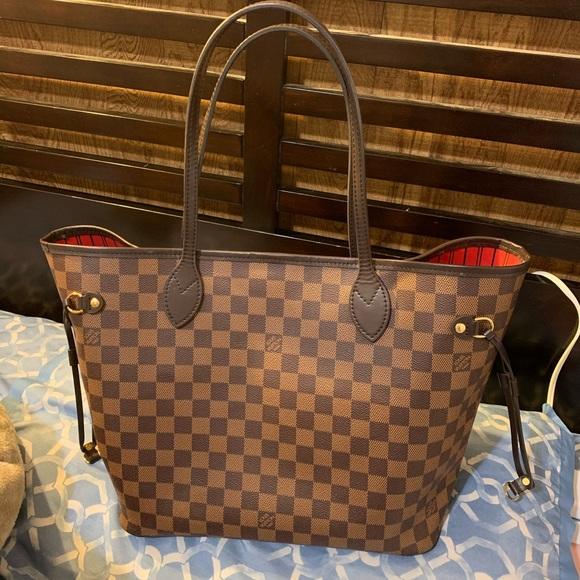 Louis Vuitton Handbags - Louis Vuitton Neverfull Mm SOLD